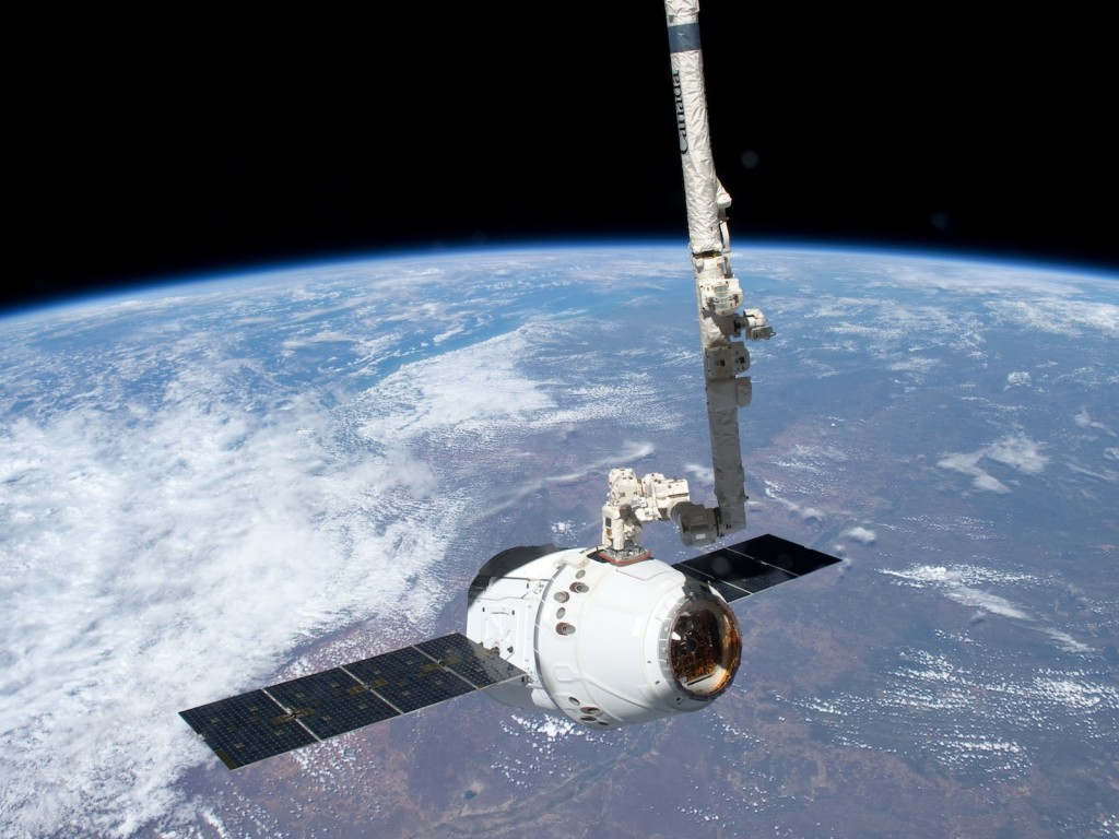 Space X Dragon capsule supplies ISS - space.com